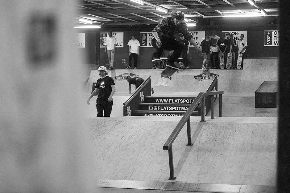Burnside-skatenight-mountain-dew-Rob-Maatman-Ollie-North