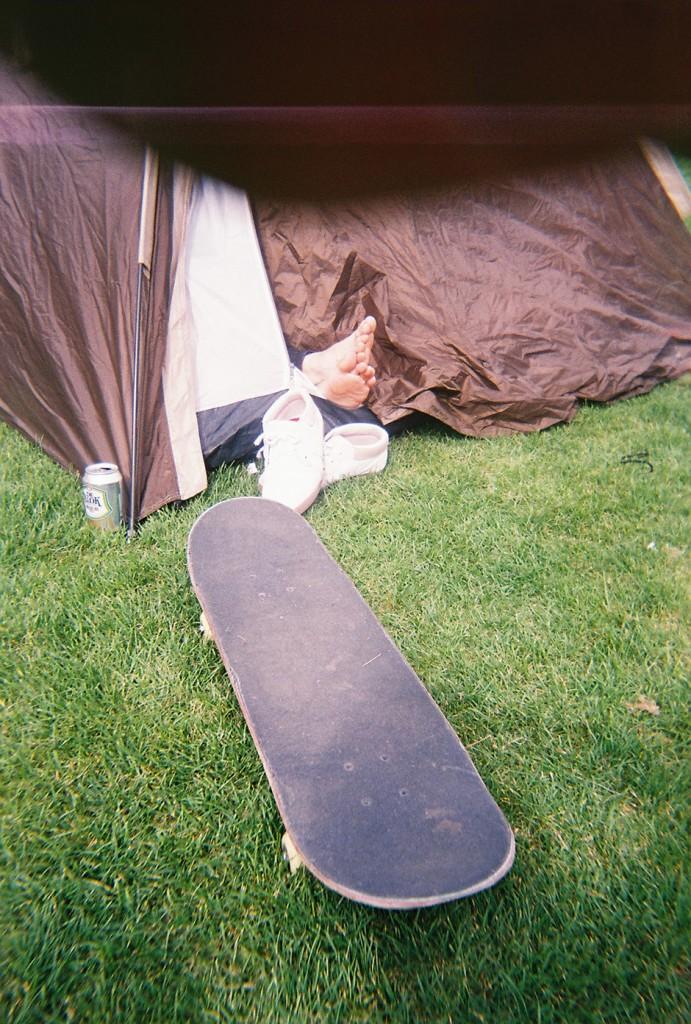 Bombaklats-Skate48-voeten-uit-tent