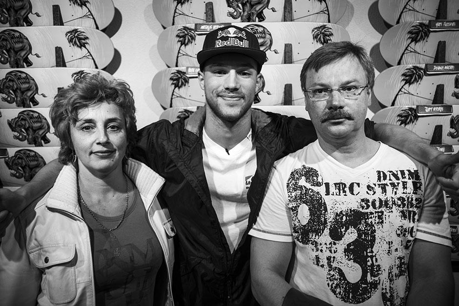 Sewa-Kroetkov-met-ouders