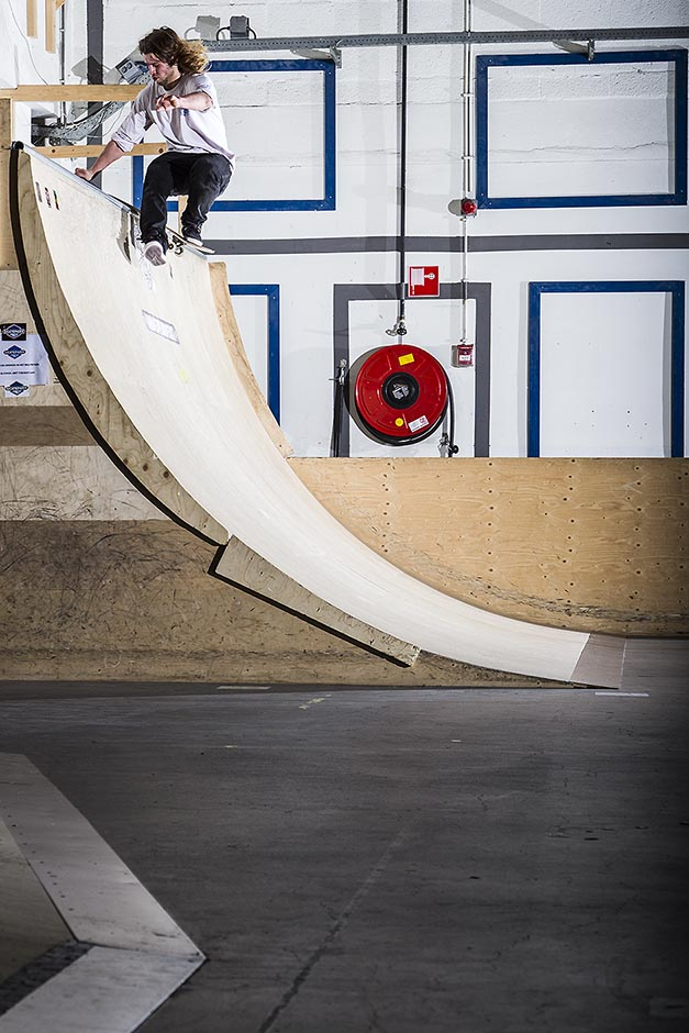 Pim Wouters - One foot rock to fakie