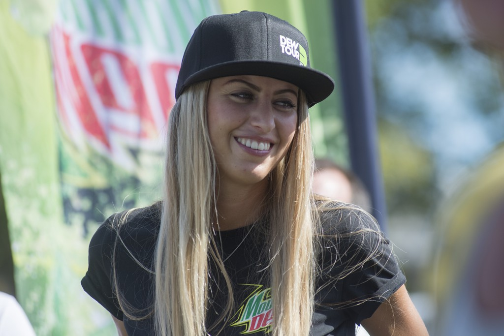 Dew-Tour-AM-Series-Amsterdam-2015-dew-meisje