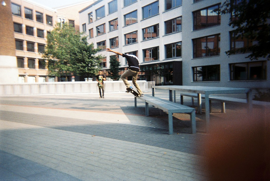 mohamed-saouti-curb-skateshop-gent-disposables-2