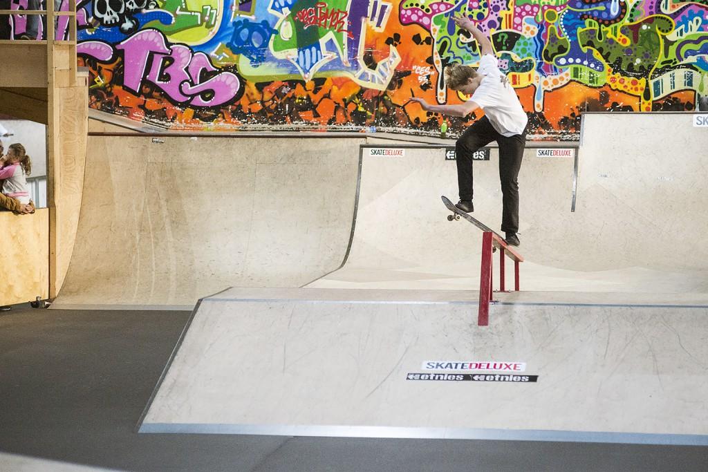 Teenage-Riot-2015-Skateland-Rotterdam-magic-van-heeswijk-fs-180-switch-crooked