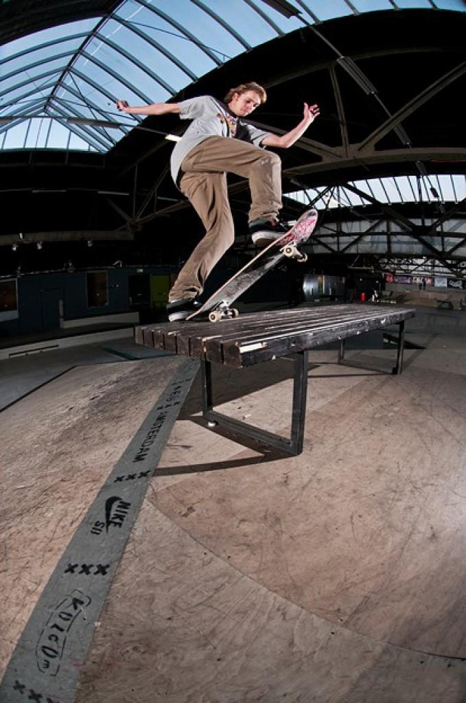 Indoor-skate-Pieter-Jenken-Fs-BluntWIT-940x624