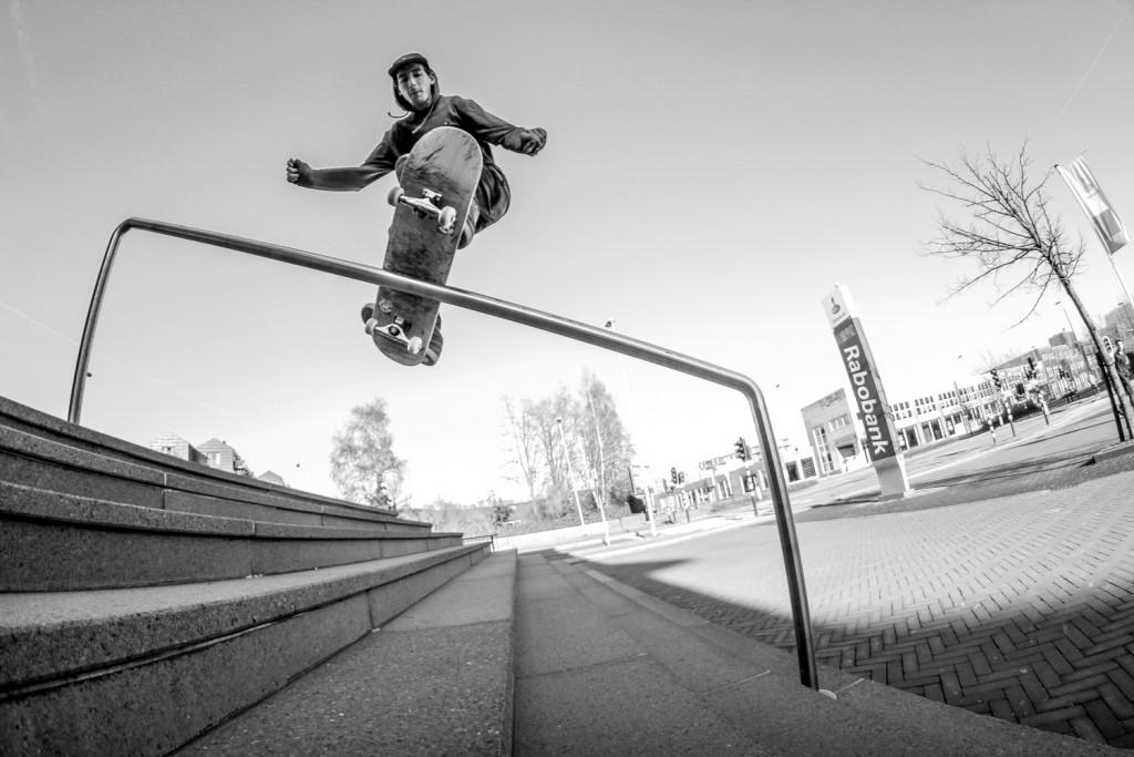 Leon Bijl - fs boardslide - Purmerend 2015 LOGT interview