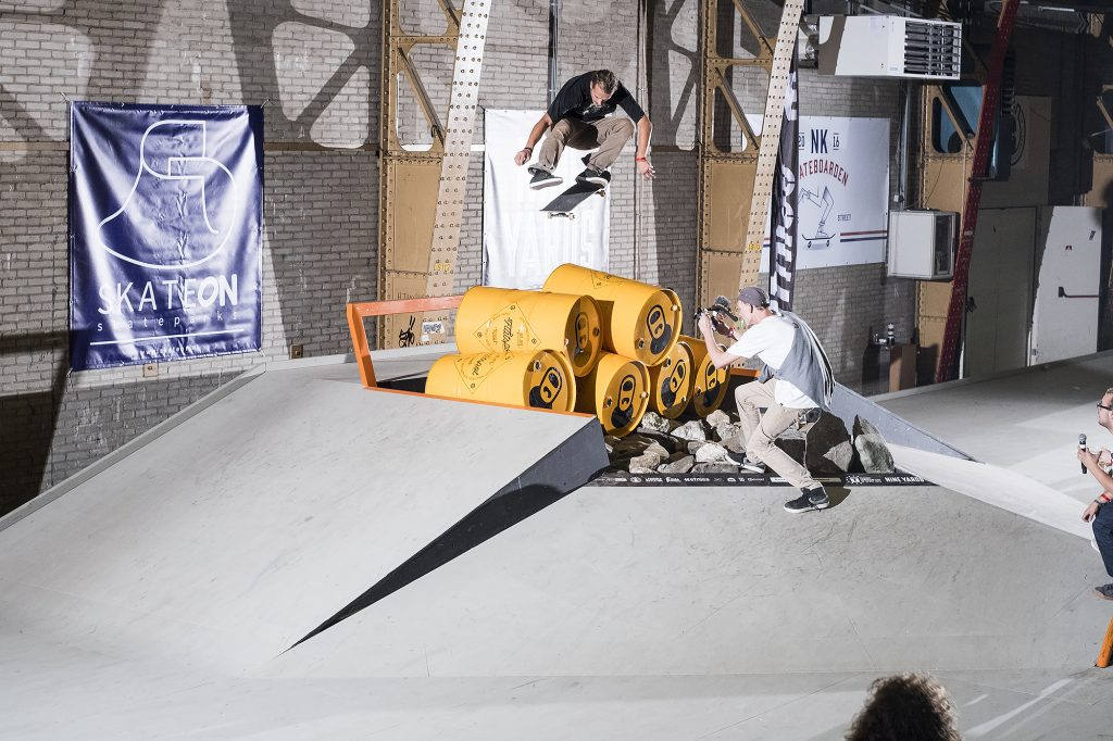 beer-best-trick-nk-skateboarden-2016-rob-maatman-kicklfip