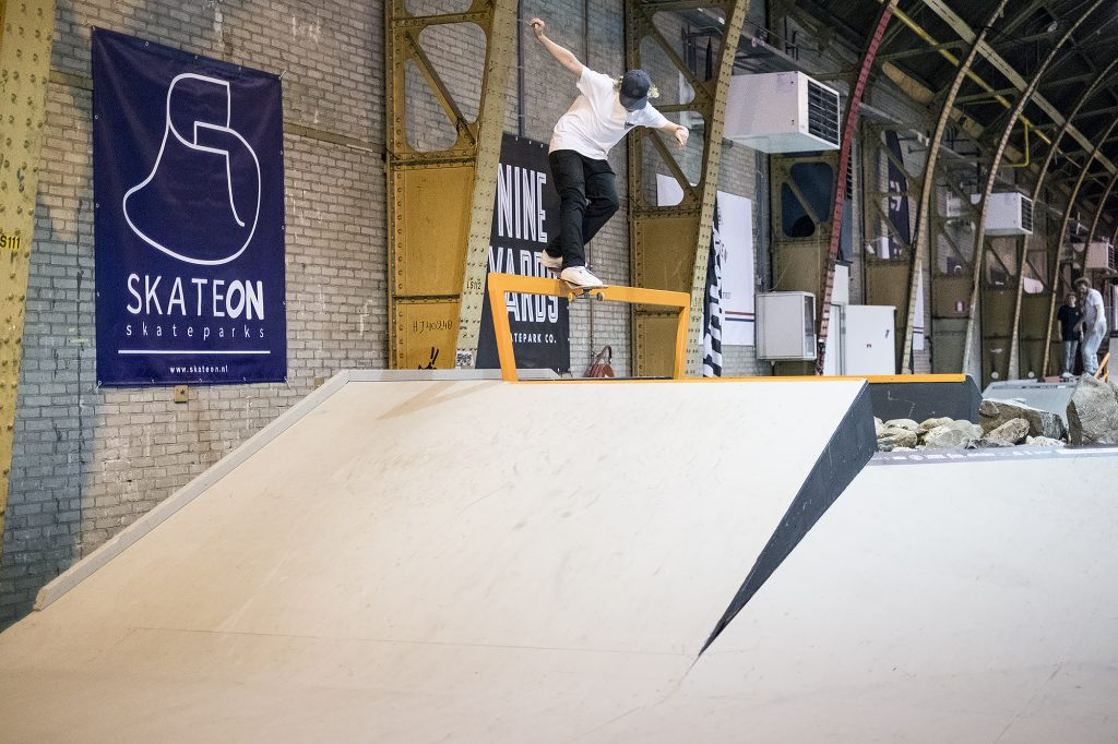 nk-skateboarden-2016-finals-bart-buikman-backside-smith